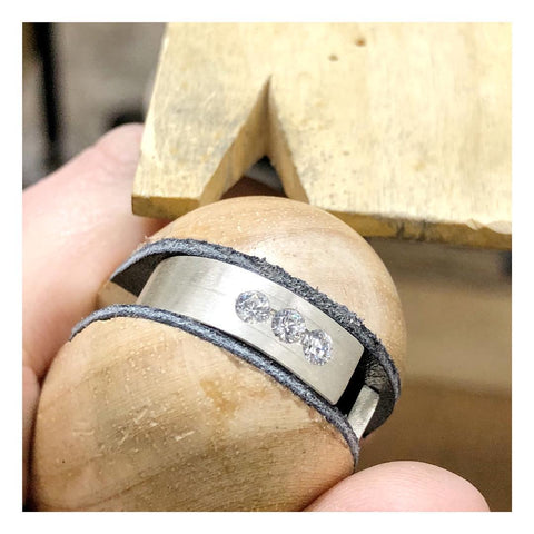 stone setting in ring