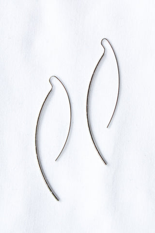 Thread Line Earrings SILVER - ONLY 1 LEFT