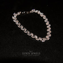 Load image into Gallery viewer, Luxsy Feuille Bracelet - Luxsy Jewels