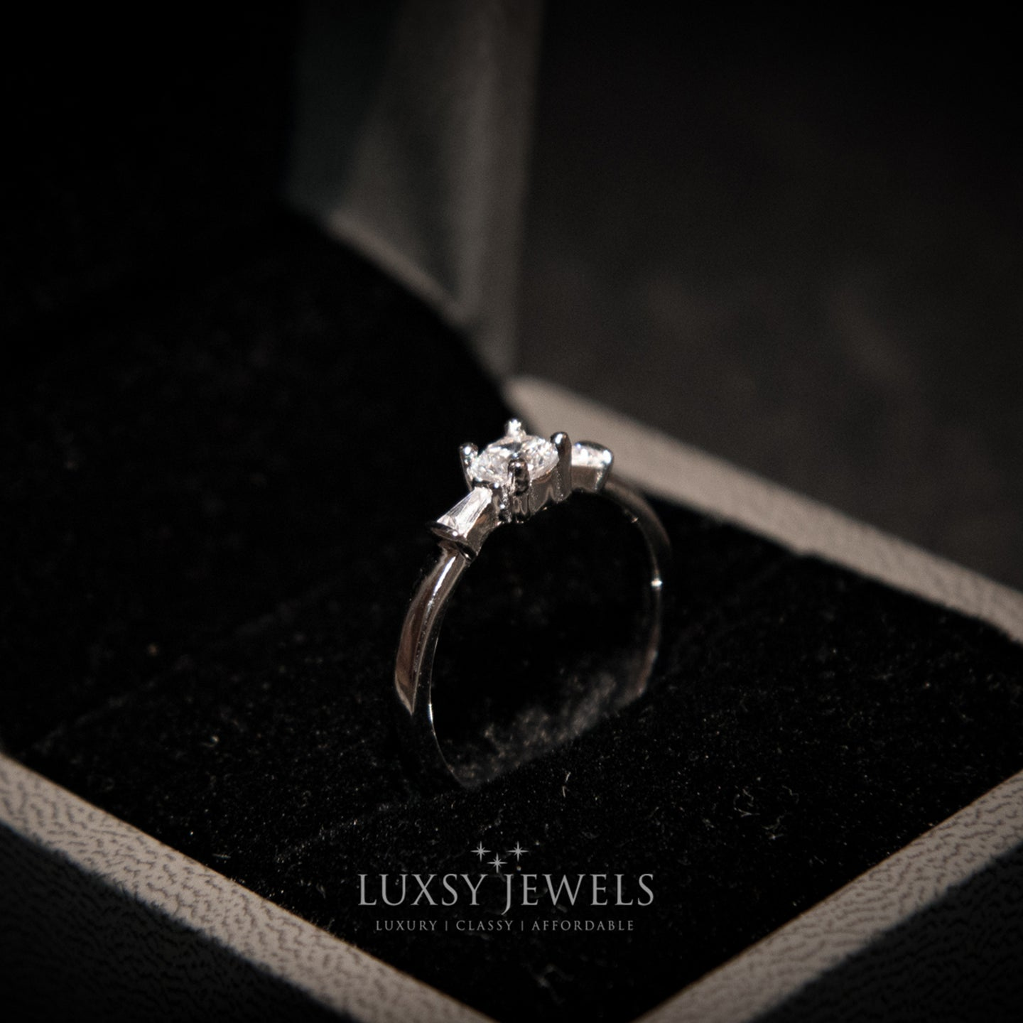 Luxsy Sarrinah Ring- 925 Silver - Luxsy Jewels