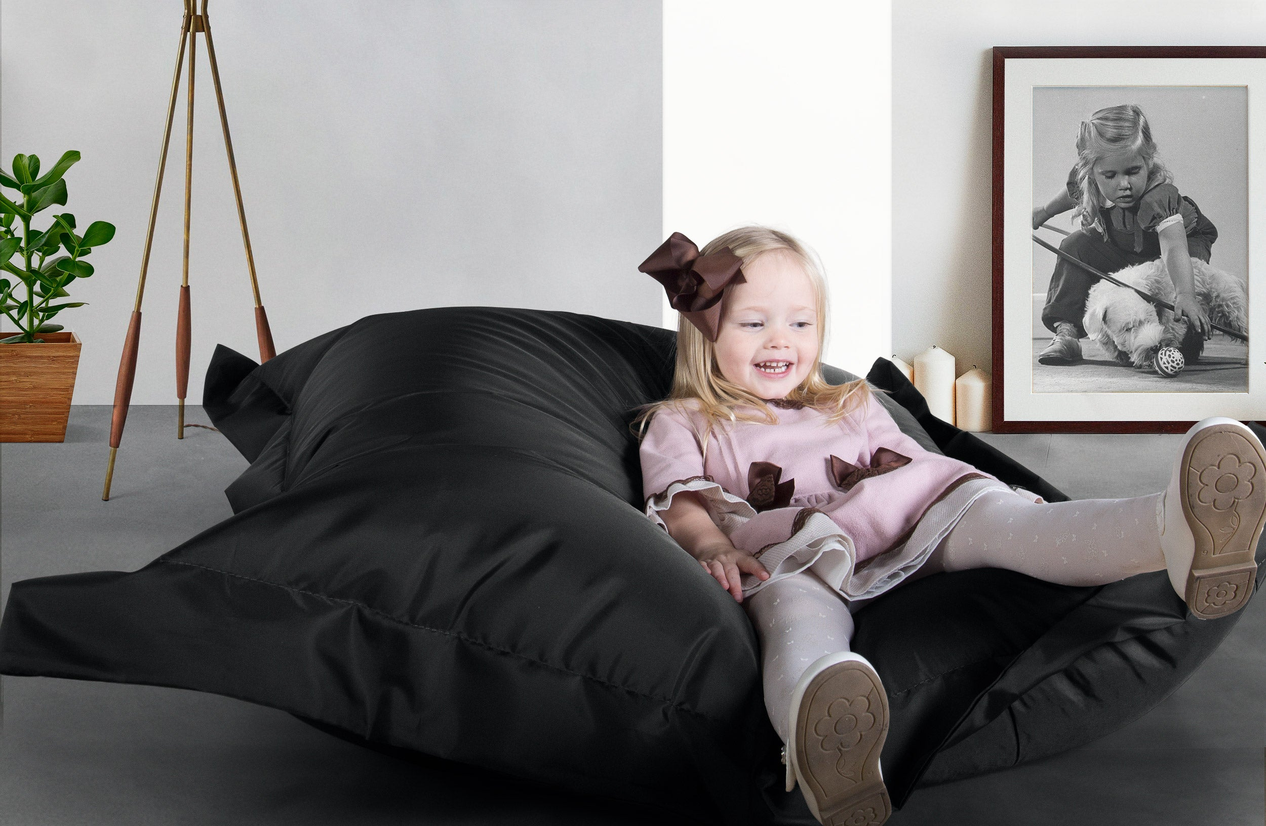 big bertha black large kids bean bags outdoor canvas childrens beanbag big bertha. Black Bedroom Furniture Sets. Home Design Ideas