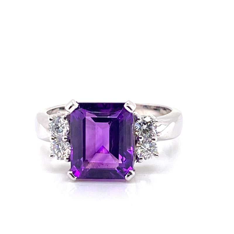 18CT White Gold Amethyst Ring