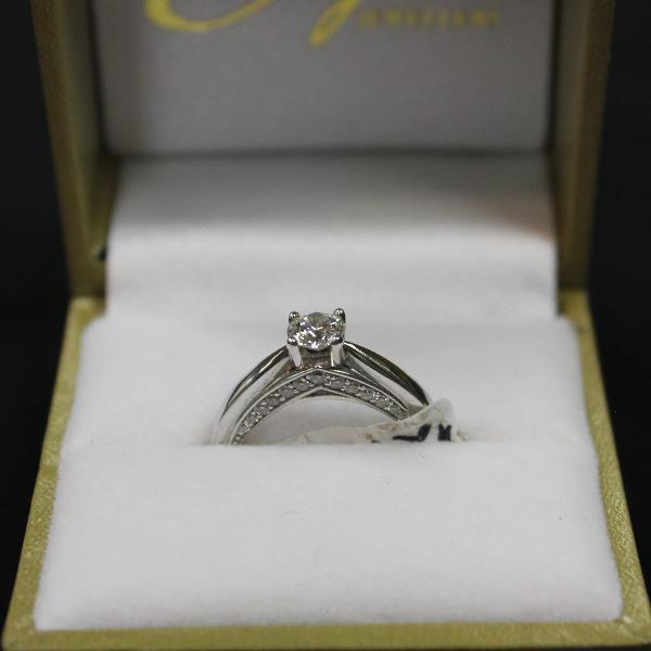 Double Band | 14kt white gold  center stone .45ct side diamonds .28ct dtw - Sugold Jewellers & Giftware