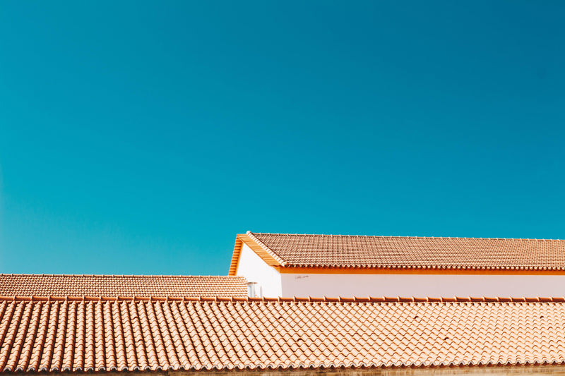 HOW TO PAINT A ROOF?, STAGES AND REGULATIONS TO KNOW | PaintOutlet.co.uk