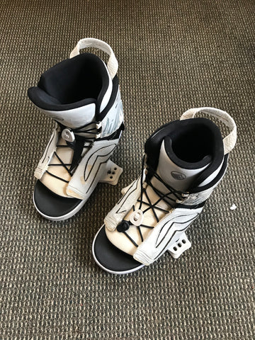 USED LIQUID FORCE WAKESTYLE BOOTS