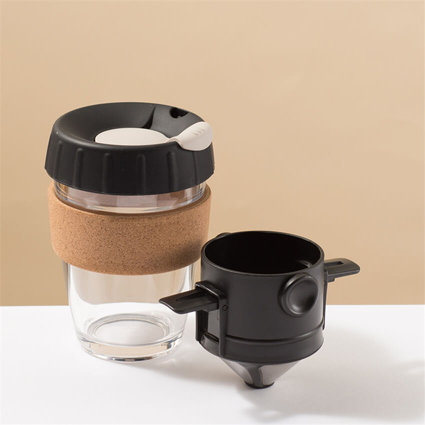 Reusable glass coffee cup with foldable coffee dripper, black
