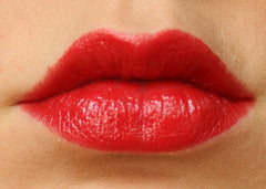 Control Lipstick at time of fresh application- no primer.