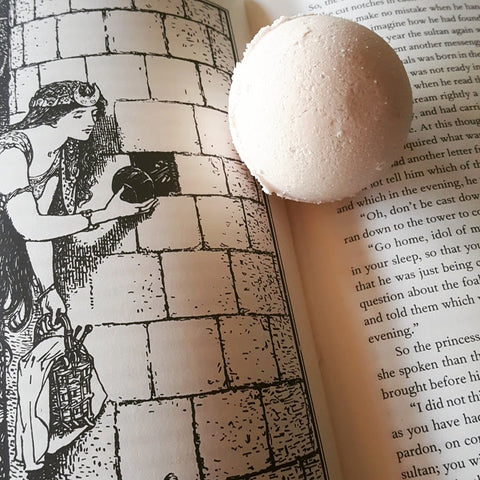 Book Smell Bath Bomb