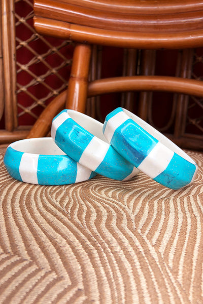 Tee-Ki Togs True Vintage Genuine Lucite Turquoise and White Bangle (711089029175)