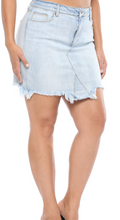 Load image into Gallery viewer, Plus Distressed Denim Skirt