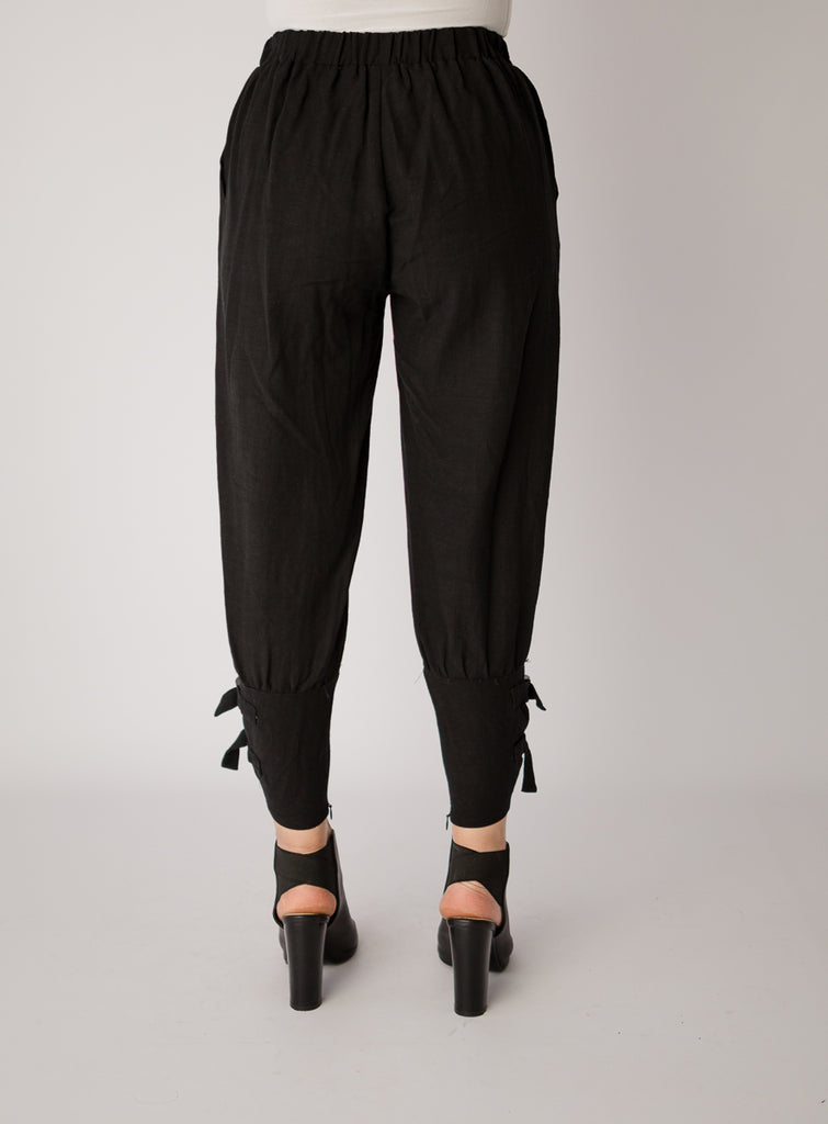 Black Jeanie Buckle Pants
