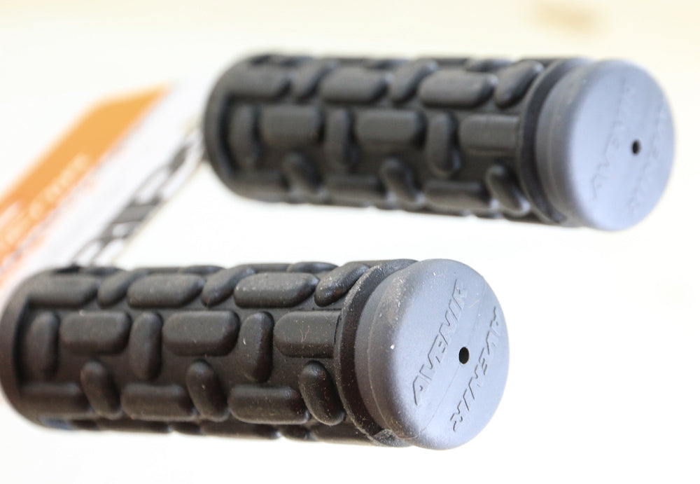 Avenir Palm Pillow + 110mm BMX Hybrid MTB Bike Handlebar Grips Black Gray NEW