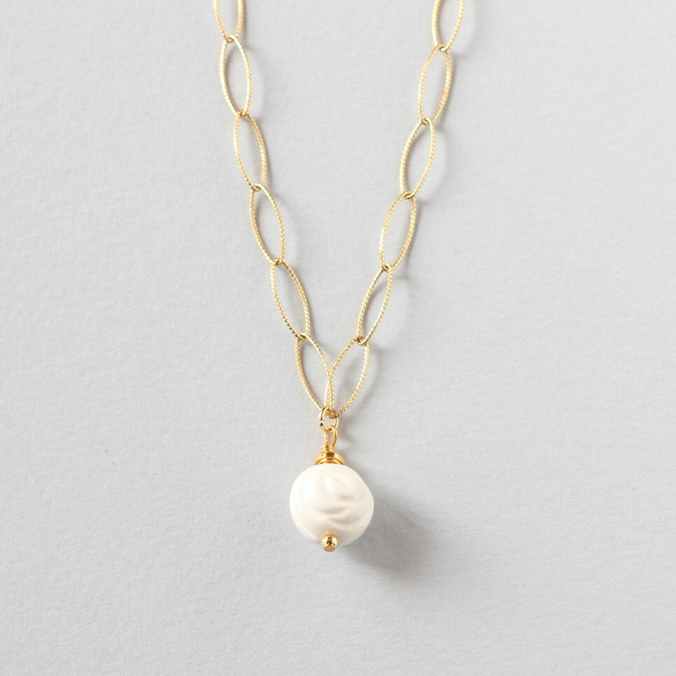 Tridacna Delicate Necklace (Gold)
