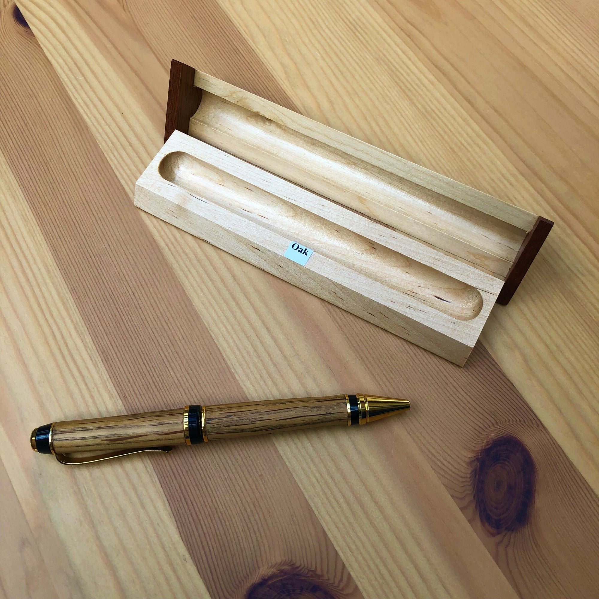 Hand Turned Oak Pen