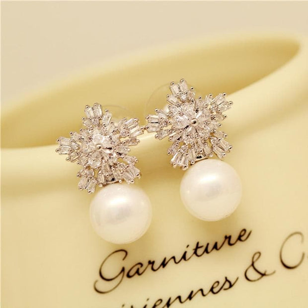 Pearl Earrings Woman Fashion Snowflake Crystal Earrings Charm Rhinestone Inlaid Jewelry Cute Earrings Couple Gifts Best Choice