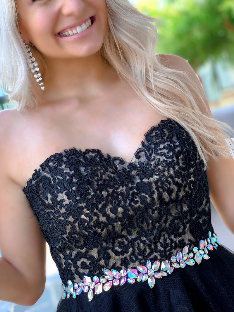 Close-up of bodice of Adorable Black Lace Short Homecoming Dress at Rsvp Prom and Pageant, best prom dress store, Atlanta, Georgia
