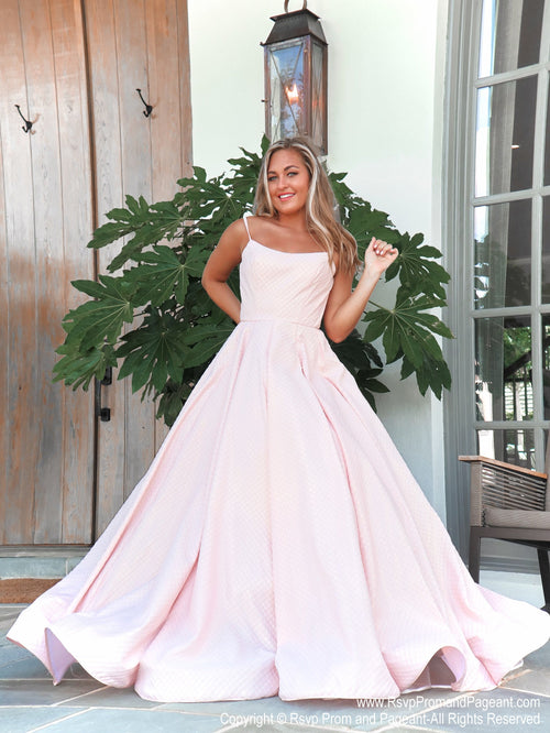 Model in this absolutely sweet and stunning ball gown perfect for pictures and dancing the night away! And it's at Rsvp Prom and Pageant, your source for the HOTTEST Prom and Pageant Dresses and exclusive evening gowns and located in Atlanta, Georgia!