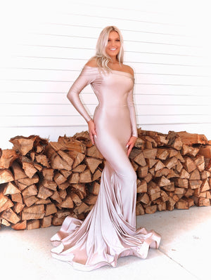Blonde model in this STUNNING Blush, long sleeve, off the shoulder, fit and flare Prom dress or evening gown! And its at RSVP Prom and Pageant, your source for the HOTTEST Prom and Pageant Dresses and exclusive evening gowns and located in Atlanta, Georgia!