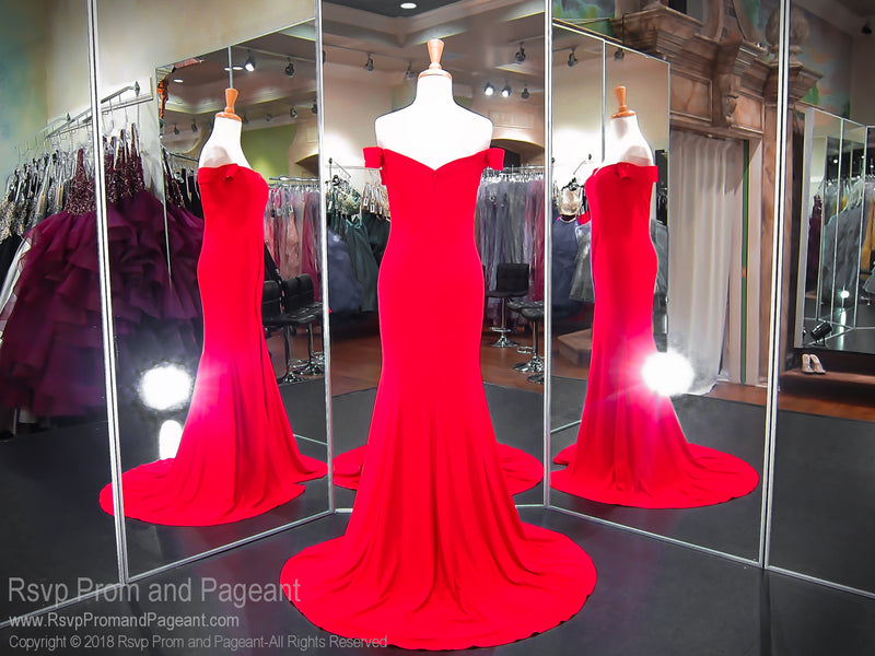 Red Sweetheart Neckline With A Side Slit Prom Dress 118RS060860 / Rsvp Prom and Pageant / Best Prom Dresses Atlanta