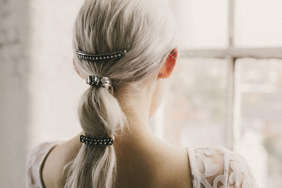 HOW TO ACCESSORISE YOUR PONYTAIL LIKE A PRO