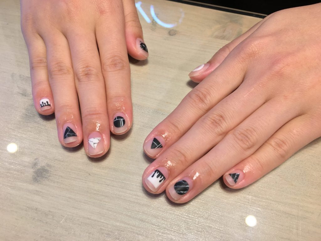 nails-by-tak-negative-space