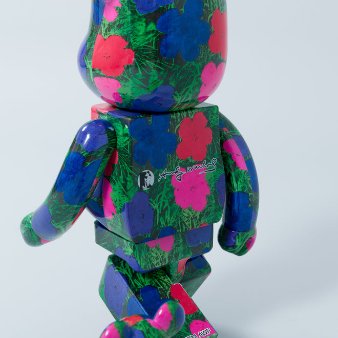 articles/medicom-bearbrick-andy-warhol-flowers-110.jpg
