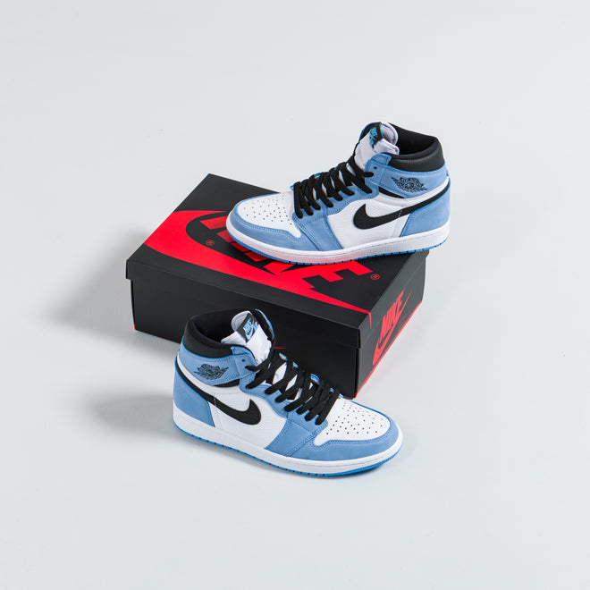 articles/nike-air-jordan-1-retro-hi-university-blue-55.jpg