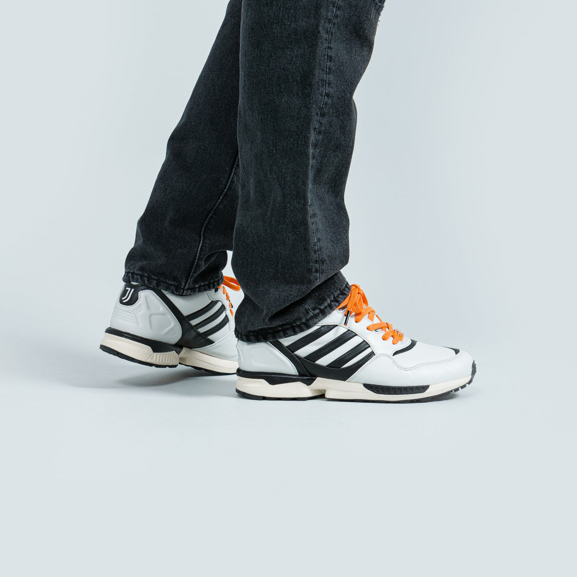 adidas - ZX 6000 x Juventus - Crystal White - Up There