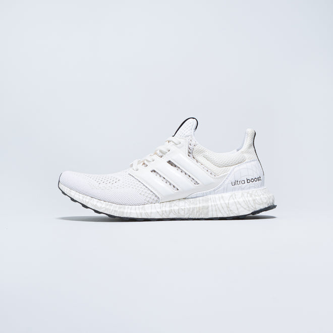 adidas - UltraBOOST DNA x Star Wars 'Princess Leia' - Chalk White/Cloud White - Up There