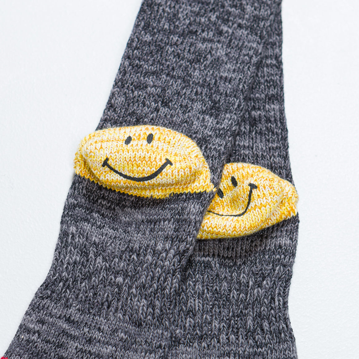 Kapital - 64 Yarns IVY Smilie Heel Hold Socks - Grey - Up There