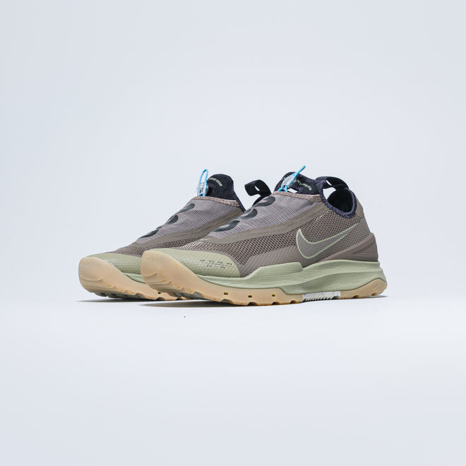 Nike ACG - [title] - Up There