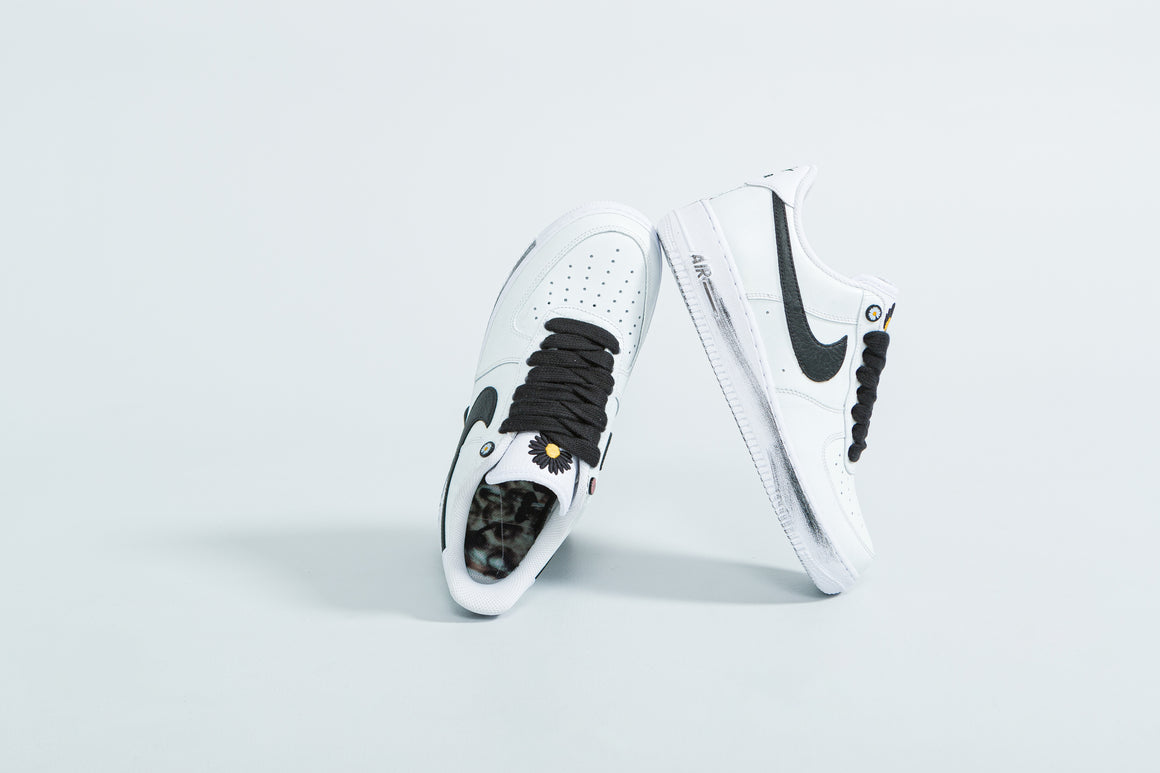 Nike - Air Force 1 '07 x Paranoise - White/Black-White - Up There