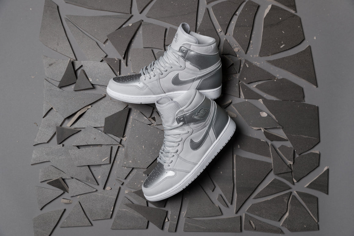 Air Jordan 1 Hi OG CO.JP - Neutral Grey/Metallic Silver-White
