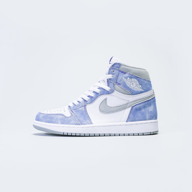 Jordan - Air Jordan 1 Retro High OG - 'Hyper Royal' - Up There