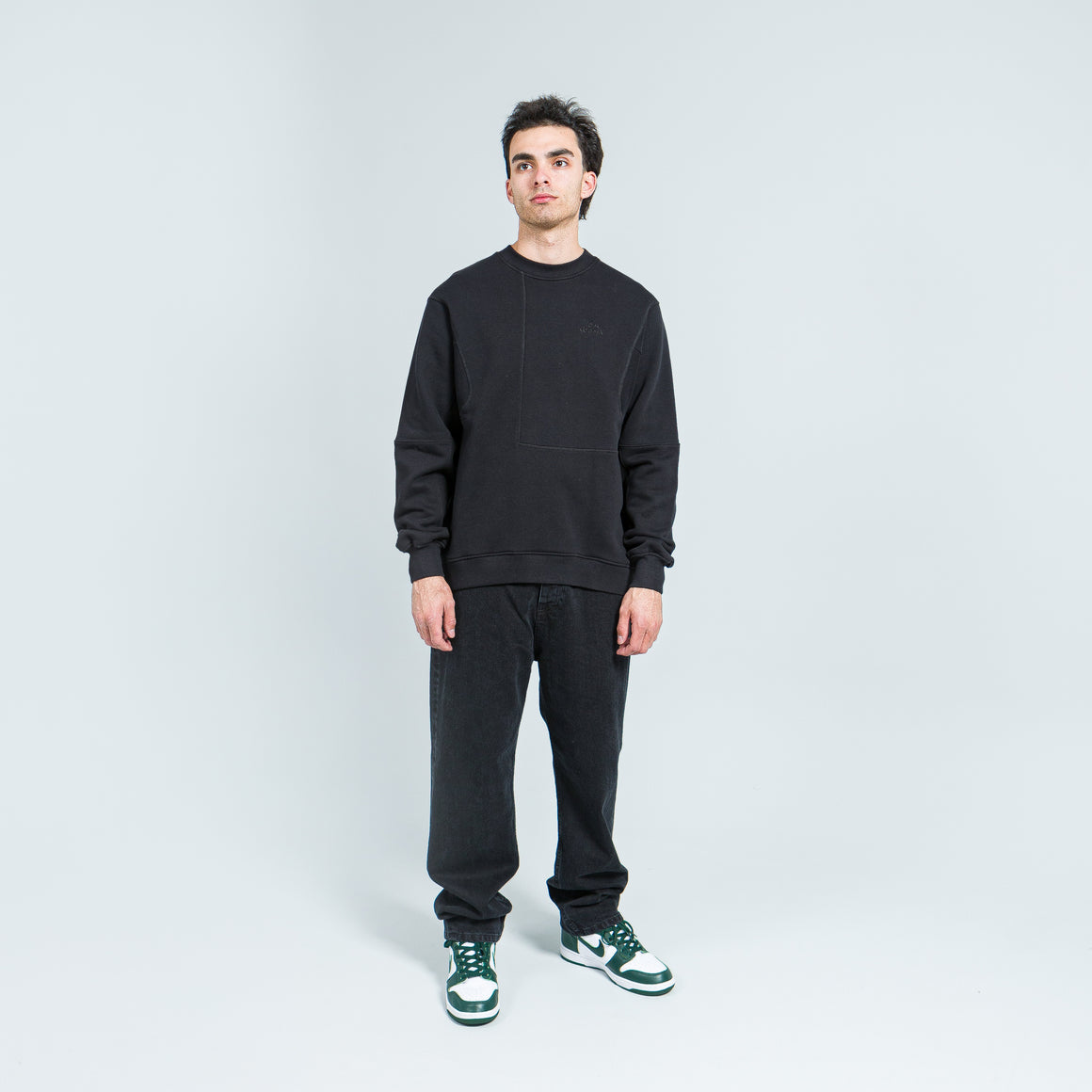 Tom Wood - The Waves Sweater - Pistol Black - Up There
