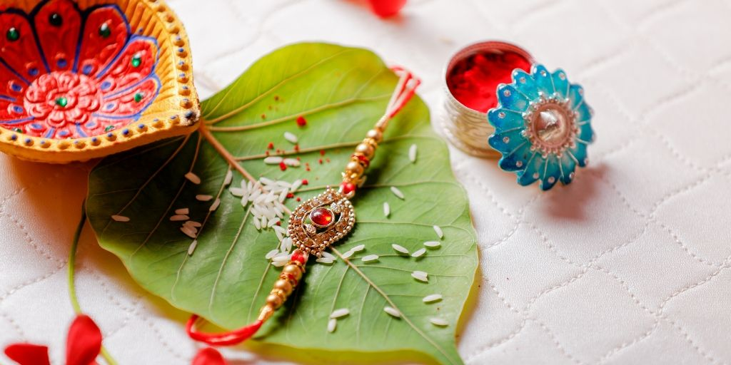 5 Creative and Inspirational Rakhi Gifts for Your Sister for 2020