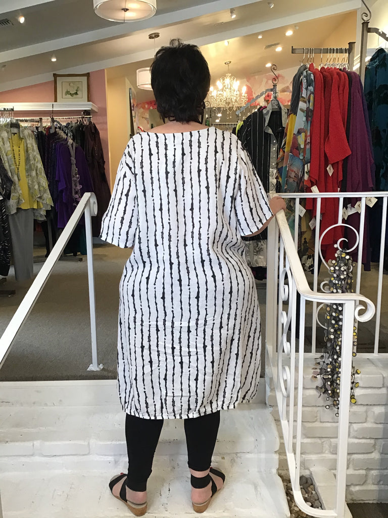 PRINTED TUNIC DRESS - WHITE LINES, ABUNDANCE - ABUNDANCE PLUS SIZE