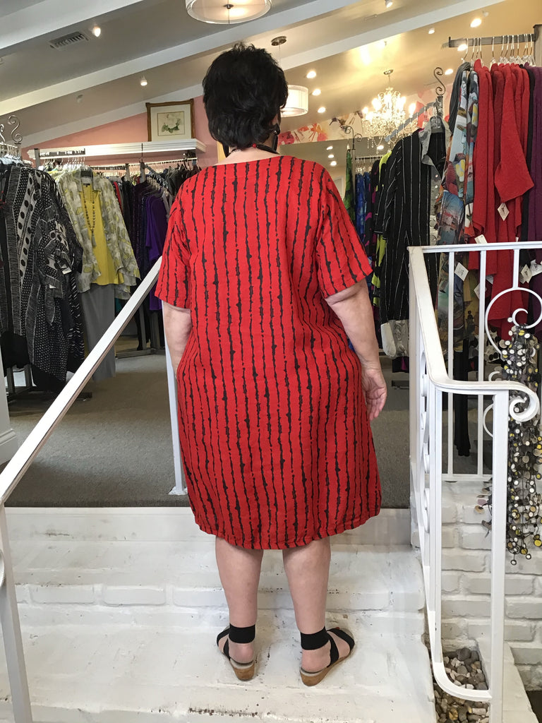 PRINTED TUNIC DRESS - RED LINES, ABUNDANCE - ABUNDANCE PLUS SIZE