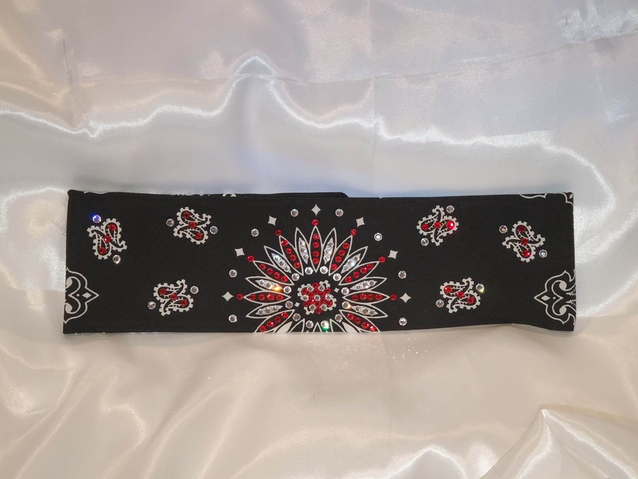 Black Paisley With Diamond Clear and Red Swarovski Crystals (Sku1928)