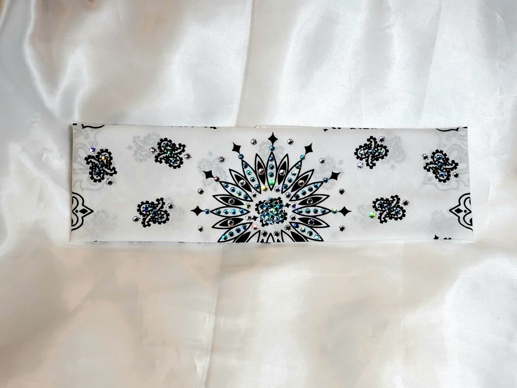 White Paisley with Turquoise and Diamond Clear Swarovski Crystals (Sku2010)