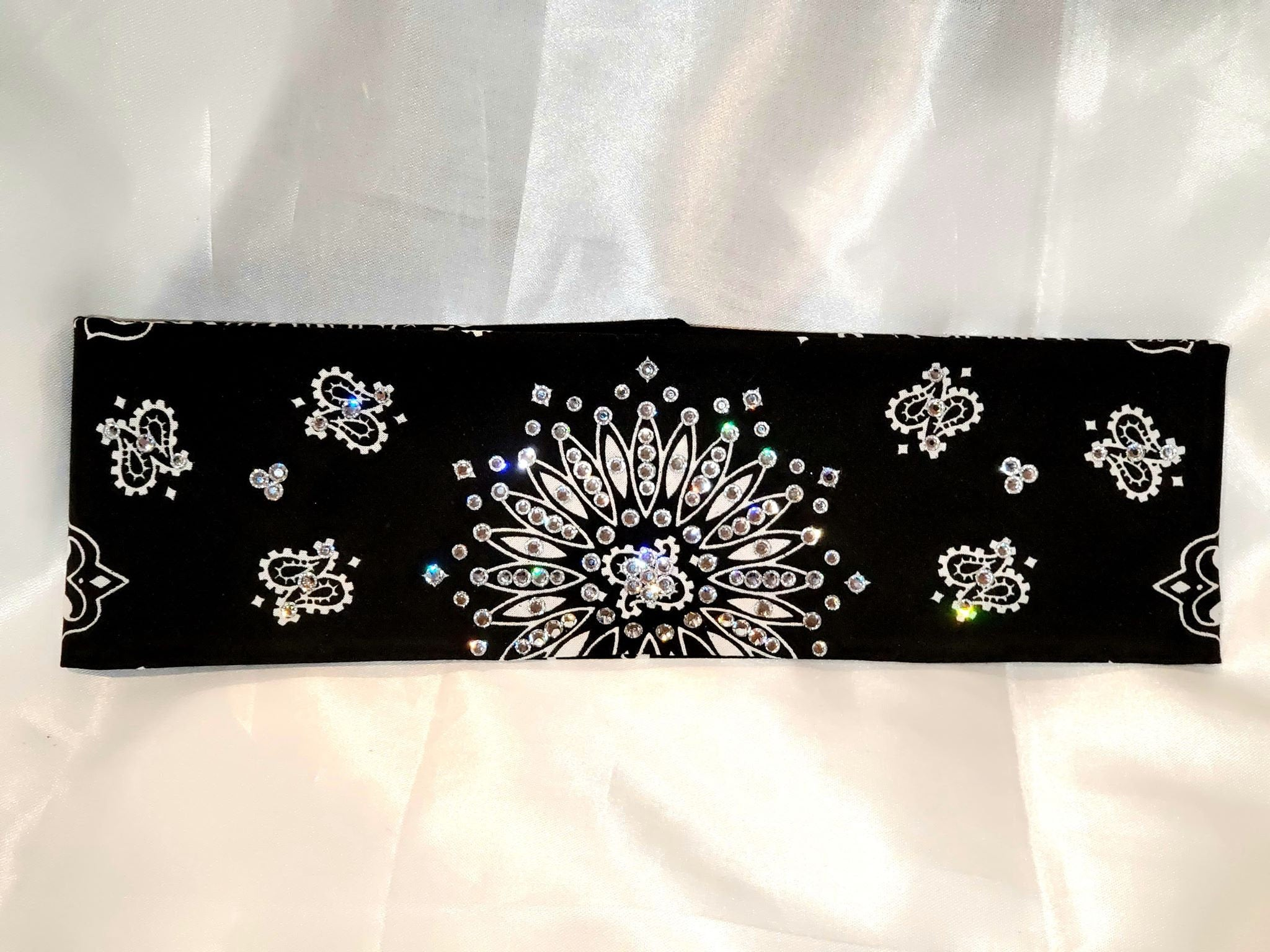 Black Paisley With Diamond Clear Swarovski Crystals (Sku1937)