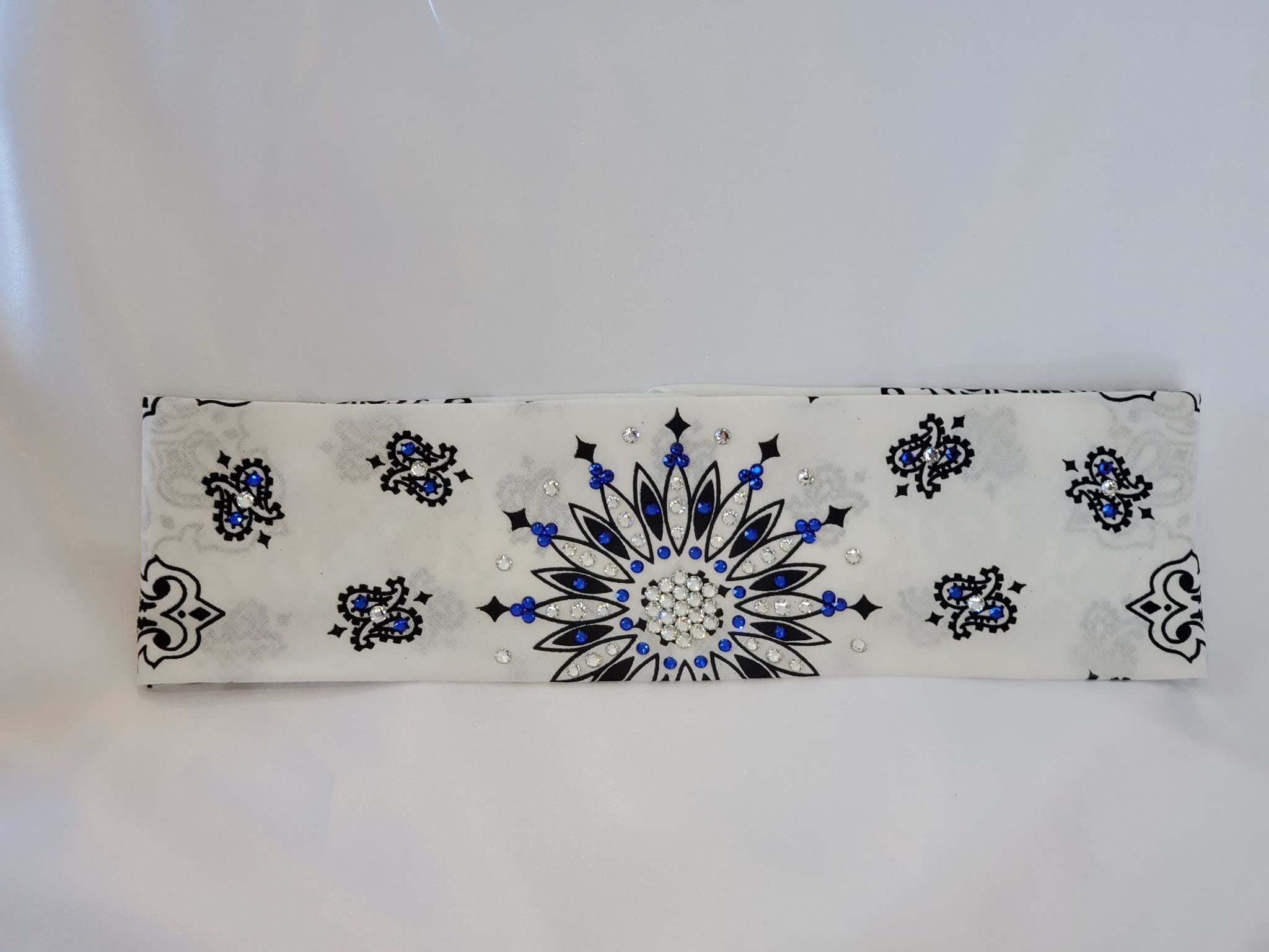 White Paisley with Blue and Diamond Clear Swarovski Crystals (Sku2025)