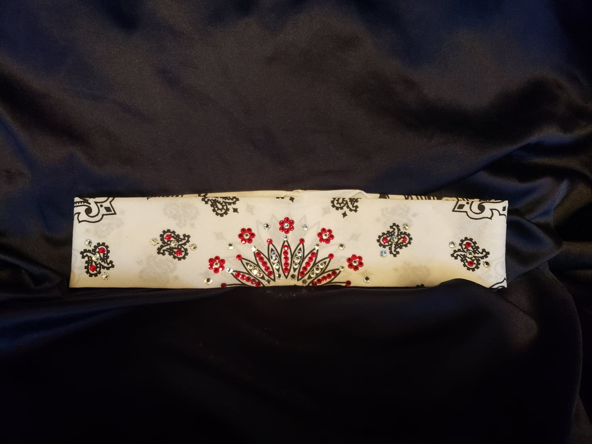 Narrow White Paisley with Red and Diamond Clear Swarovski Crystals (Sku2038)