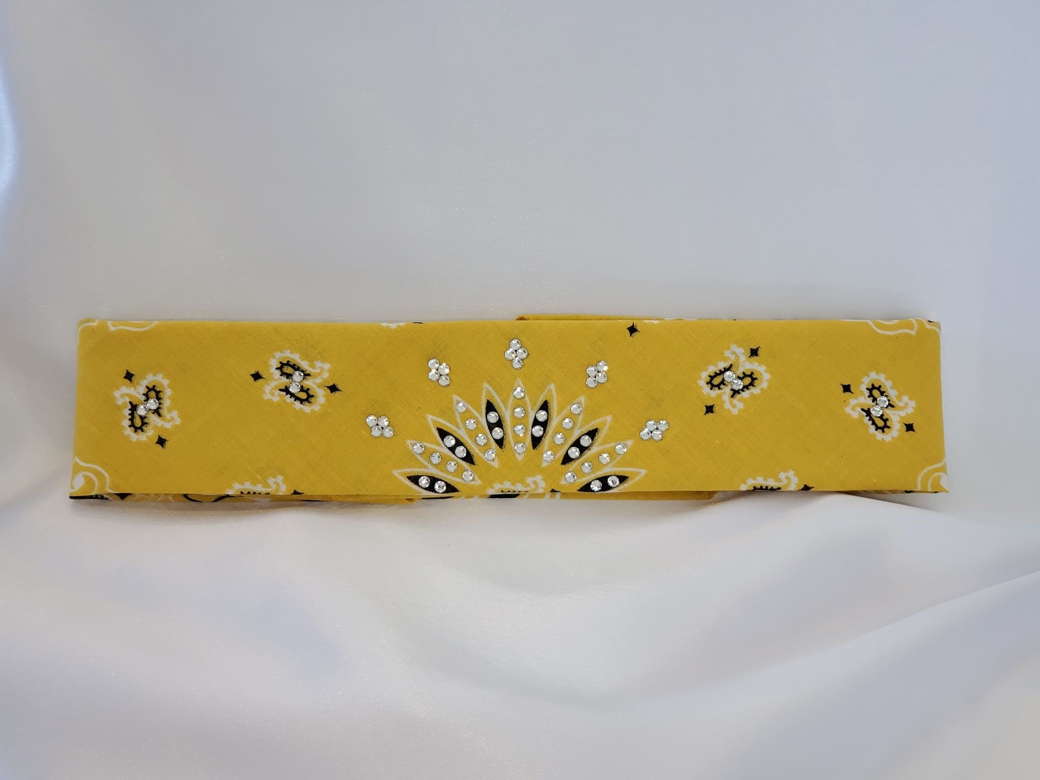Gold Paisley with Diamond Clear Crystals (Sku8046)
