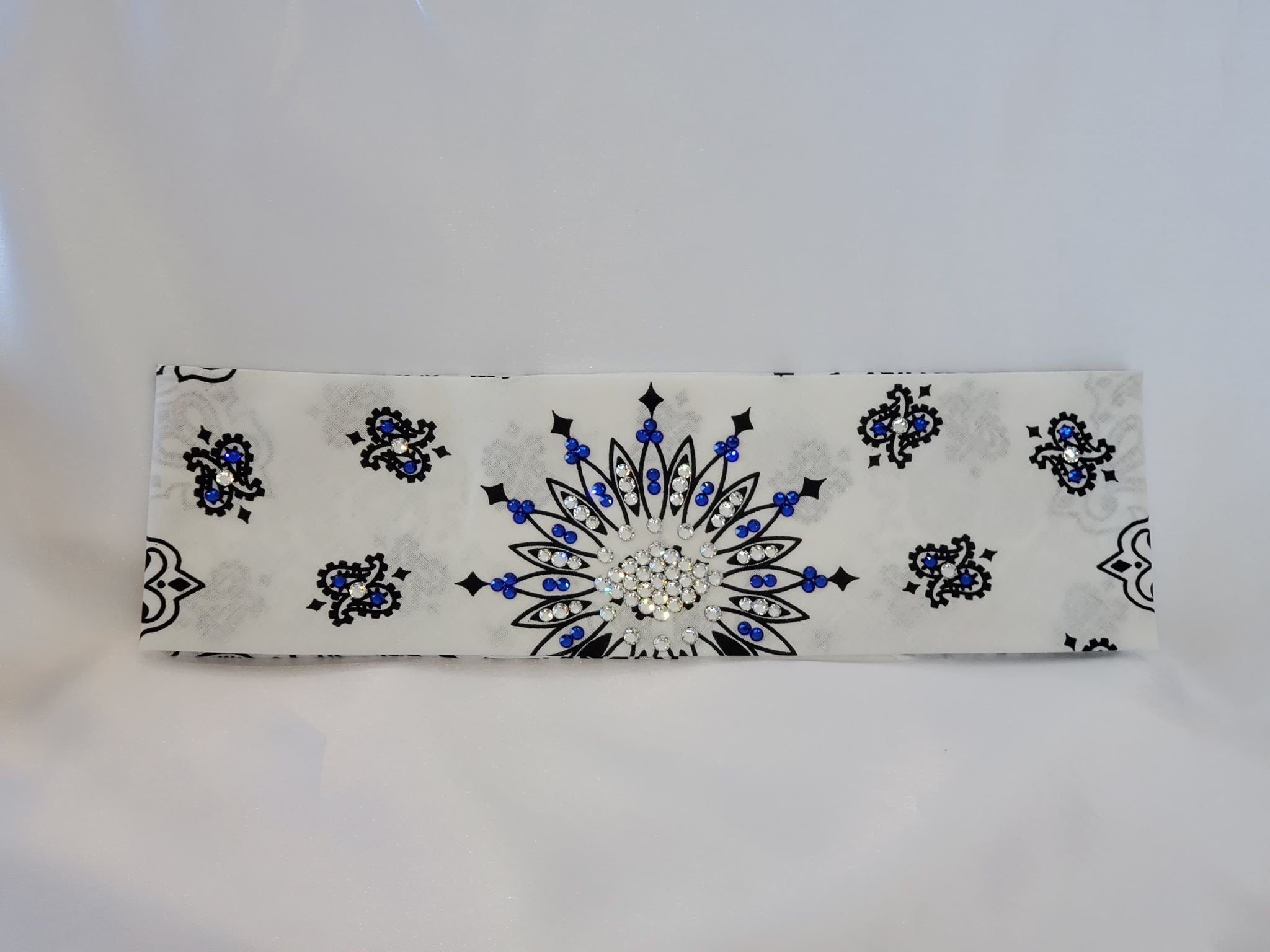 White Paisley with Blue and Diamond Clear Swarovski Crystals (Sku2022)