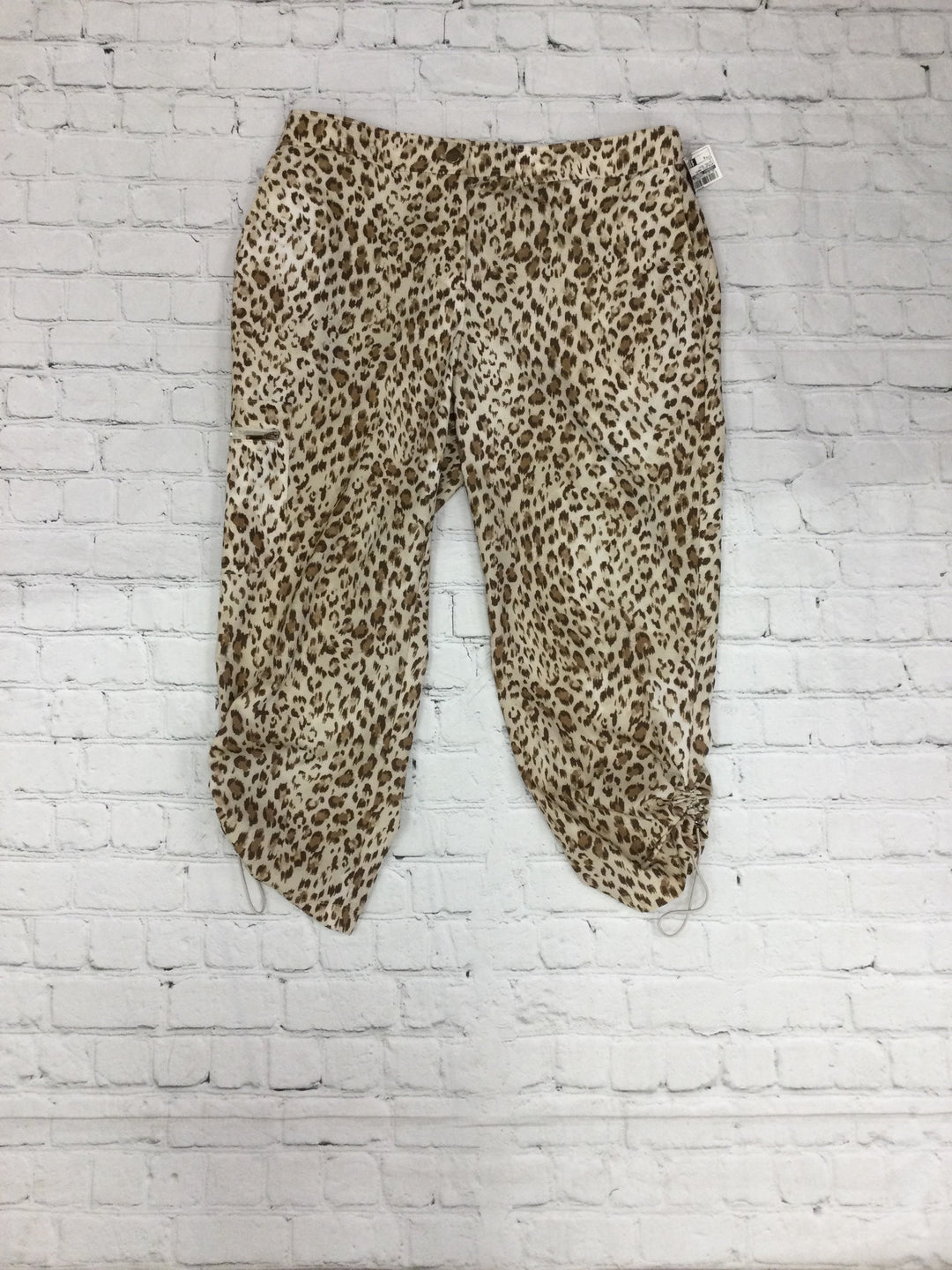 Primary Photo - brand: zenergy by chicos , style: athletic pants , color: animal print , size: 0 , sku: 125-4870-718