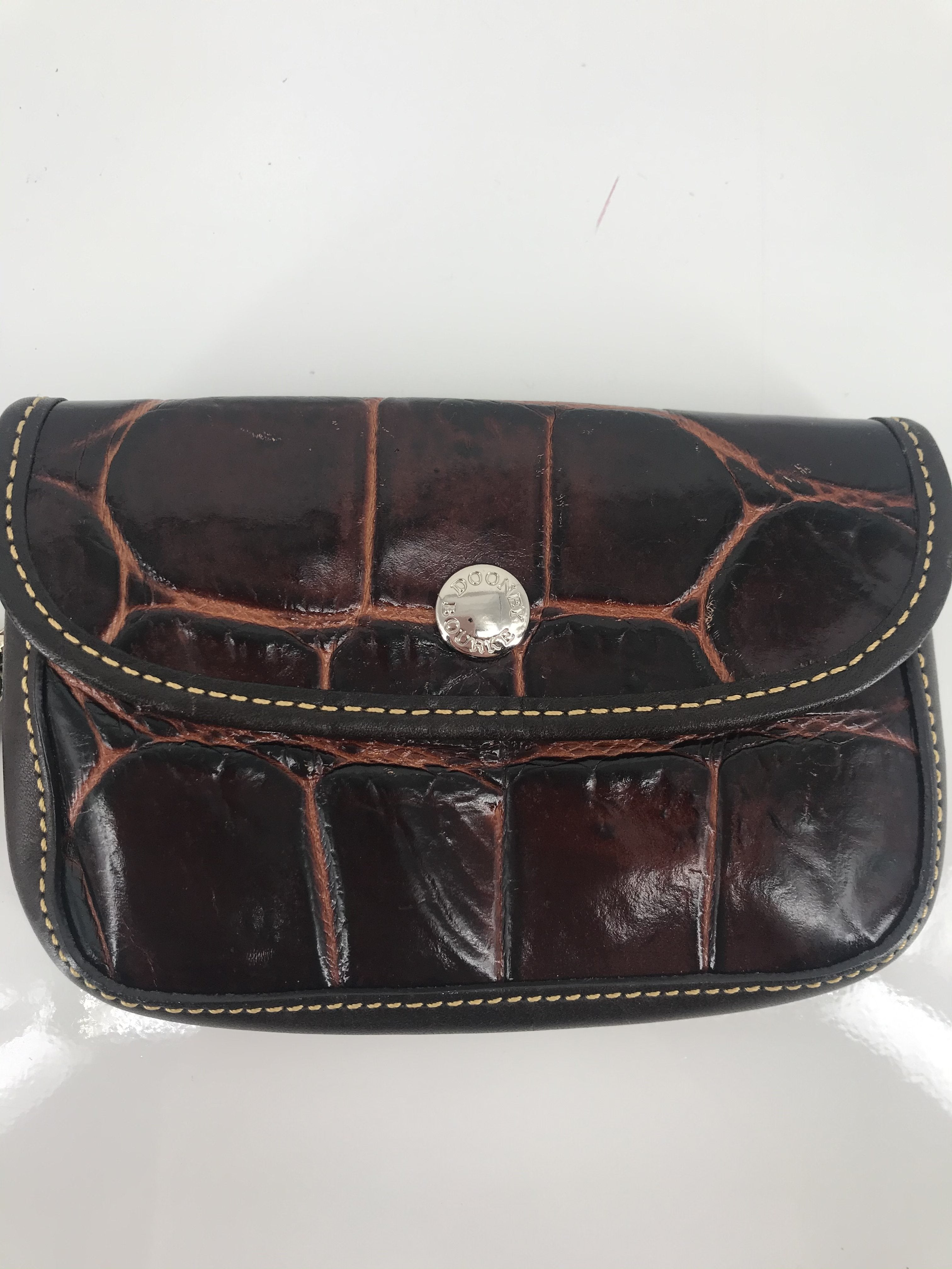 Photo #1 - brand: dooney and bourke , style: wristlet , color: brown , other info: as is , sku: 105-4189-2261