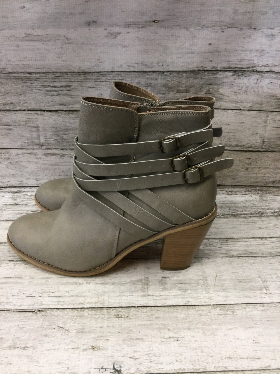 Photo #1 - brand: jg collections , style: boots ankle , color: grey , size: 12 , sku: 129-4748-9929