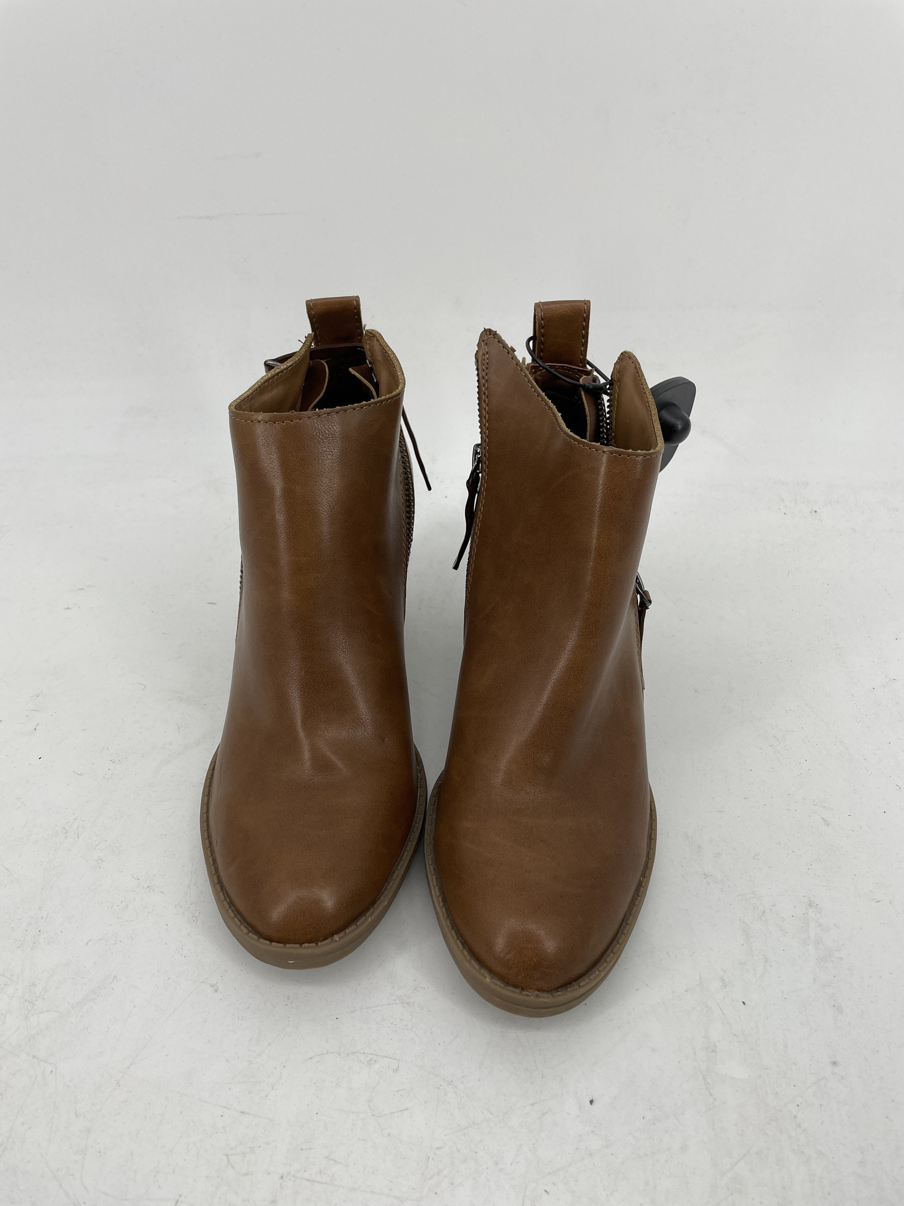 Primary Photo - brand: dv , style: boots ankle , color: brown , size: 8 , sku: 128-3212-49486