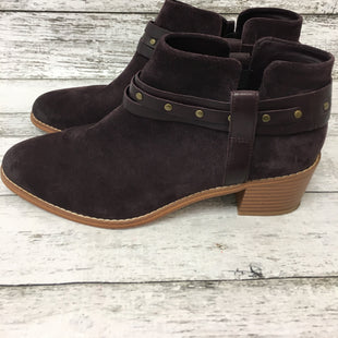 Primary Photo - BRAND: CLARKS STYLE: BOOTS ANKLE COLOR: PURPLE SIZE: 8.5 SKU: 125-3916-66903